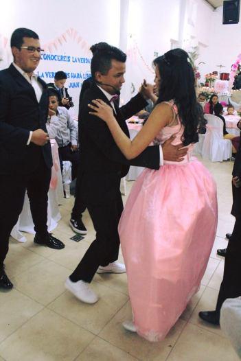 Far danser med datter